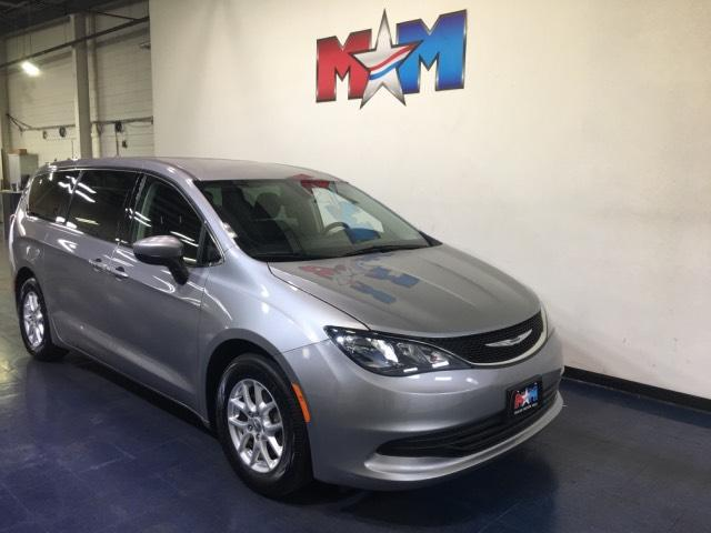 Pre-Owned 2017 Chrysler Pacifica Touring FWD