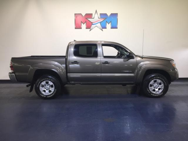 Pre Owned 2014 Toyota Tacoma 4WD Double Cab V6 AT