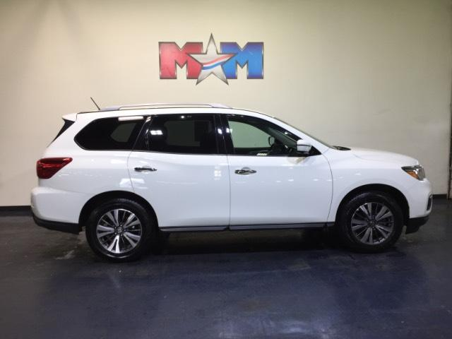 Pre Owned 2017 Nissan Pathfinder 4x4 Sl Sport Utility In