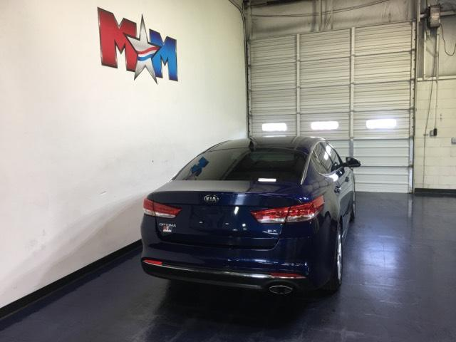 Pre-Owned 2017 Kia Optima EX Auto