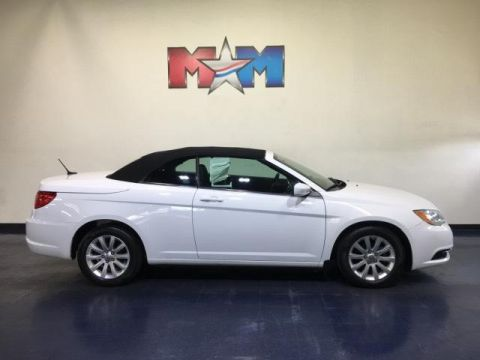 Pre-Owned 2012 Chrysler 200 2dr Conv Touring